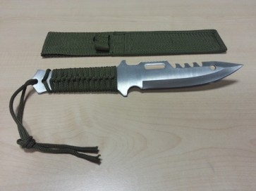 coltello survival da combattimanto con fodero in cordura,