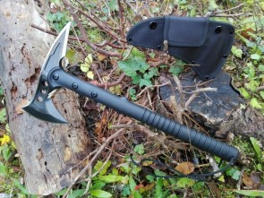 TOMAHAWK TACTICAL AXE