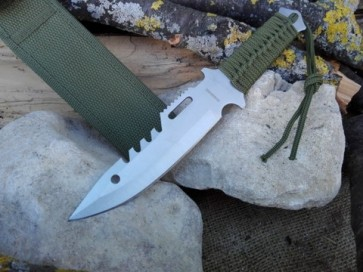 coltello survival con fodero in cordura
